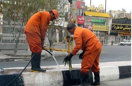 کارگران پیمانی شهرداری شوشتر سه ونیم ماه مزد نگرفتهاند