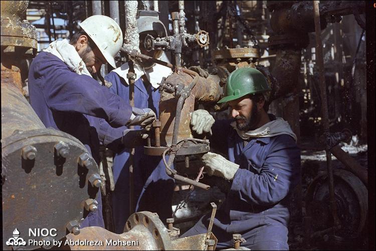 مرور حماسه سازی های مردان صنعت نفت در هشت سال دفاع مقدس