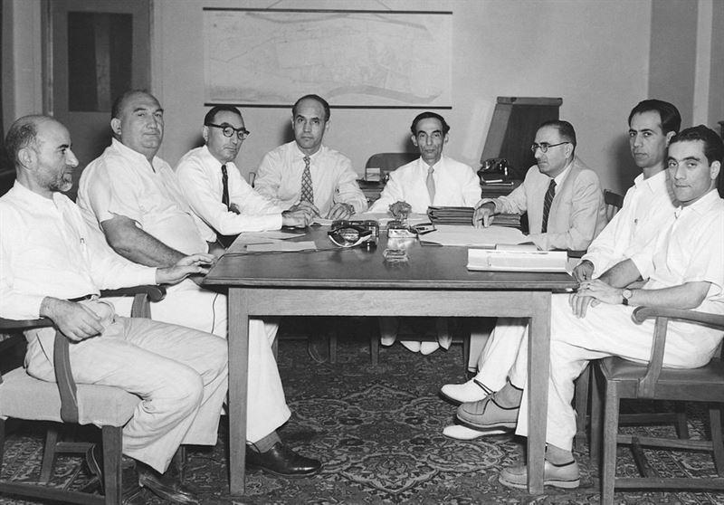 اعضای هیات خلع ید در جلسه