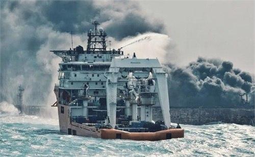 تلاشها برای نجات خدمه نفتکش سانچی در آبهای چین ادامه دارد