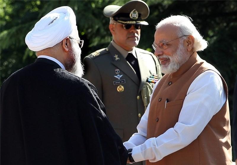 ایران بشکهای ۱ دلار به خریداران هندی نفت خود تخفیف میدهد