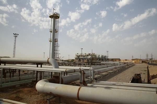 کاهش 800 هزار بشکهای تولید نفت ایران با تصمیم جدید وزارت نفت/ رایزنیهای گسترده نظر وزارتخانه را تعدیل کرد