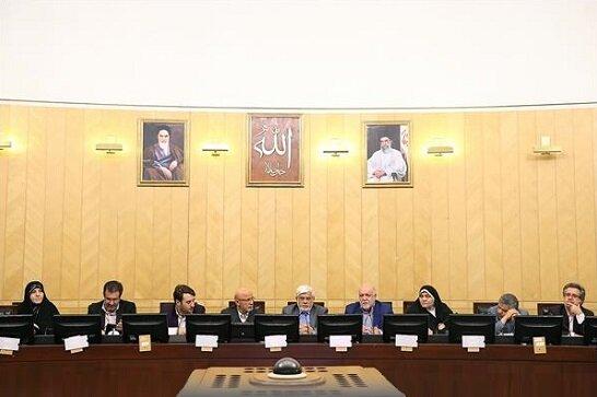 توضیحات زنگنه از تدابیر ایران برای مقابله با تحریمها در فراکسیون امید