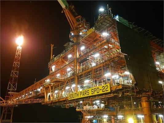 تولید گاز غنی ازنخستین سکوی فازهای ۲۲ تا ۲۴ پارسجنوبی آغاز شد