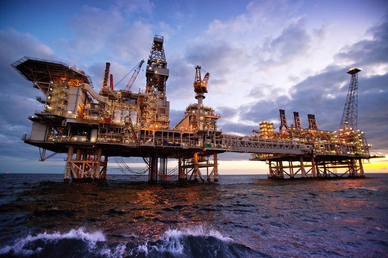 خوشحالی رقبای منطقه ای ایران از توقف قراردادهای جدید نفتی